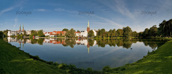 Panorama des Mühlenteichs in Lübeck