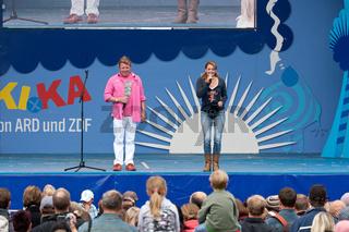 Volker Rosi und Singa Gätgens auf der MDR Sommertour Bühne