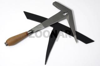 Dachdecker Werkzeug - Schieferhammer und Haubrücke