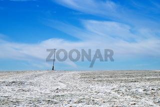 Hügel im Schnee unter blauem Himmel Landschaft - Landscape