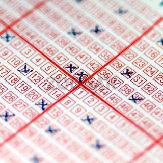 Lottoschein angekreuzt