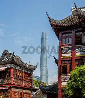 YU GARTEN MIT SHANGHAI TOWER, ALT UND NEU