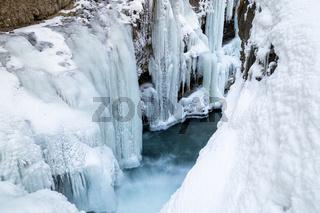 Rissbach im Winter