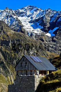 Berghütte Windegghütte des Schweizerischen Alpenclubs, Gadmen, Kanton Bern, Schweiz