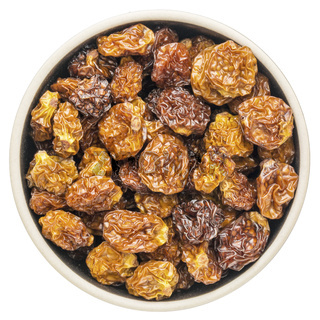 dried goldenberries in a roun dbowl