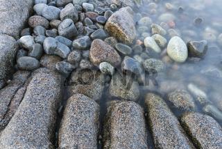 Steine in der Brandung, Hoega Kusten, Schweden