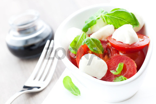Caprese Salat mit Balsamico / caprese salad with balsamic
