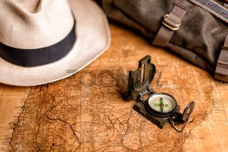 alte Landkarte mit Kompass
