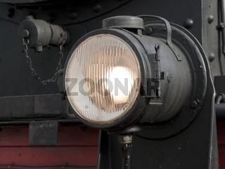 Scheinwerferleuchte an historischer Dampflok