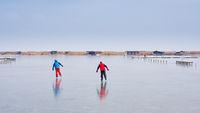 Eislaufen im Winter auf dem Neusiedlersee