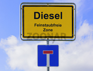 Diesel und Luftverscmutzung auf Ortsschild