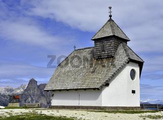 Bergkapelle in den Dolomiten; Suedtirol; Puezgruppe;