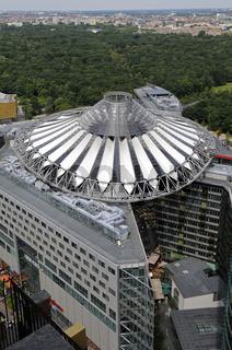 Blick auf das Sony Center am Potsdamer Platz, Berlin