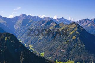 Panorama vom Schattenberg, 1692m, zum Himmelschrofen, 1790m, Allgäu, Bayern, Deutschland, Europa
