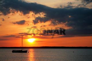 Boot im Abendlicht