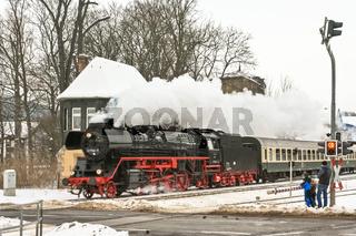 DB Regio Dampfzug Rodelblitz in Plaue