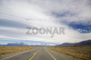 Strasse zum Fitz Roy Massiv, Argentinien, street to the Fitz Roy massiv, Argentina