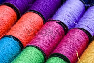 farbige Garnrollen, Spools of thread