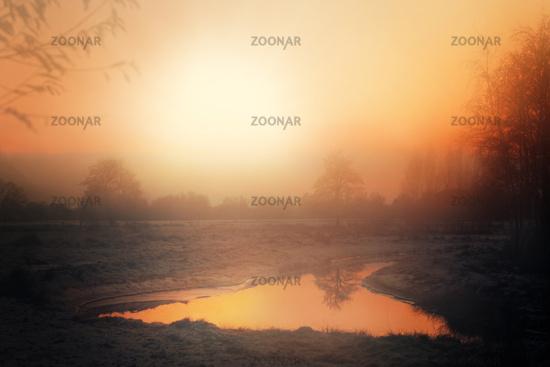 Winterlicher Sonnenuntergang im Norddeutschen Moor