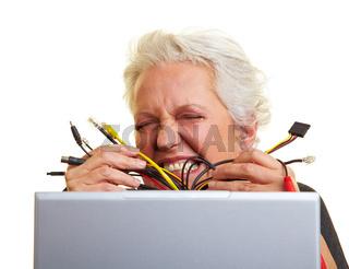 Zu viele Kabel am Computer