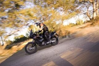 Motorradfahrer Fahraufnahme