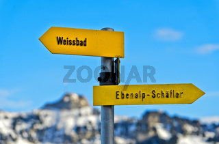 Wegweiser im Appenzellerland, Schwende, Kanton Appenzell Ausserrhoden, Schweiz