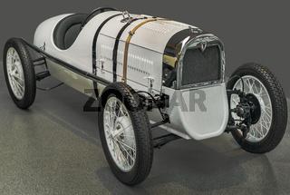 Rennwagen am Anfang des 20. Jahthunderts
