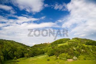 Thüringer Landschaft mit Leuchtenburg