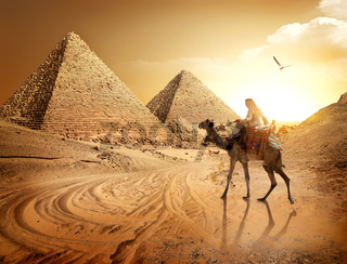 Road to pyramids