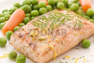Salmon steak with vegetable