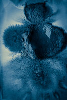 Nasses blau