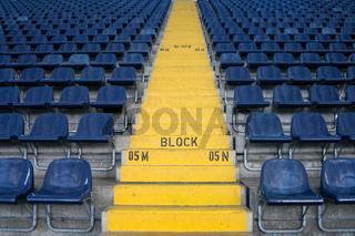 Zuschauertribüne in einem Fußballstadion