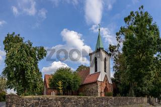 Denkmalgeschützte historische Dorfkirche in Berlin-Weißensee