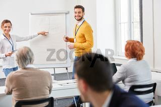 Berater Team bei einer Präsentation