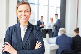 Junge Frau als Business Start-Up Gründer