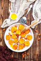 apricots with honey