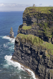 O'Briens's Tower, Cliffs of Moher, County Clare, Irland, Europa