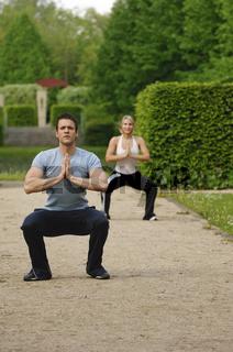 Paar beim Joga