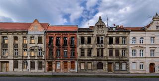 Teilsanierte Altbaufassaden in Wittenberge