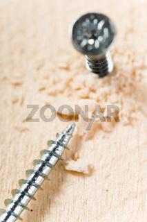 Schrauben und Holz