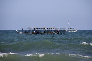 Fischerboote beim Fischfang