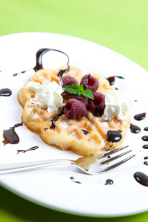Fruchtwaffel/ waffle and berry