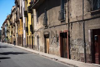 Gasse in Bosa in Sardinien