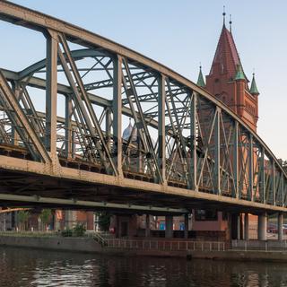 Stählerne Brücke über die Untertrave in Lübeck, Deutschland