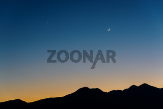 The Moon, Venus and Saturn after sunset