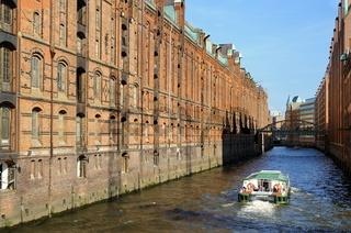 Hafenrundfahrt durch die  Hamburger Speicherstadt