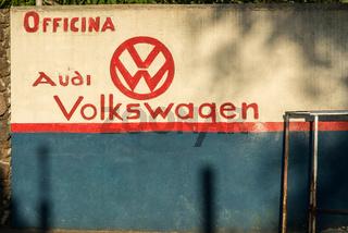 Autowerkstatt in Dorgali, Sardinien
