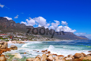 Blick auf Camps Bay, Kapstadt, Südafrika, Camps Bay, Cape Town, South Africa