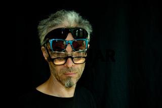 mann mit brille(n)
