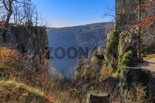 Herbststimmung, Felsschlucht bei der Ruine Reussenstein.